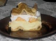 Valovita torta sa breskvama