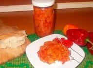 Ajvar od cepkanih paprika