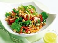 Mešana salata sa lešnikom