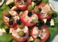Punjeni paradajz posnim kobasicama