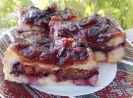 Prevrnuti voćni griz kolač
