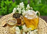 Pet zdravstvenih koristi čaja od jasmina