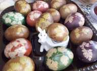 Farbanje jaja listom peršuna