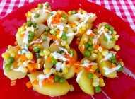 Mladi krompirići sa smrznutim povrćem