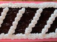 Šnit torta sa malinama
