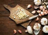 Koliko kalorija sadrži beli luk?
