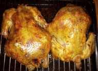 Pečena piletina na konzervi od piva